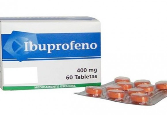 Ibuprofeno y paracetamol. Caballo grande, ande o no ande... NO.